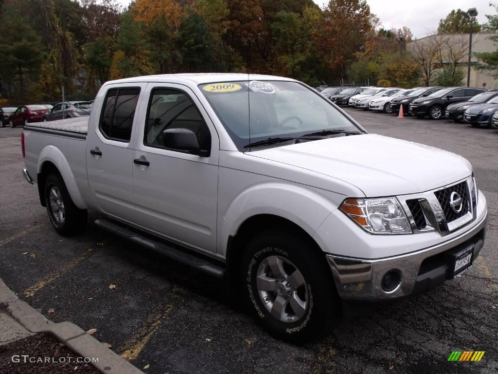 2009 avalanche white nissan frontier se crew cab 4x4 20671270 car color galleries. Black Bedroom Furniture Sets. Home Design Ideas
