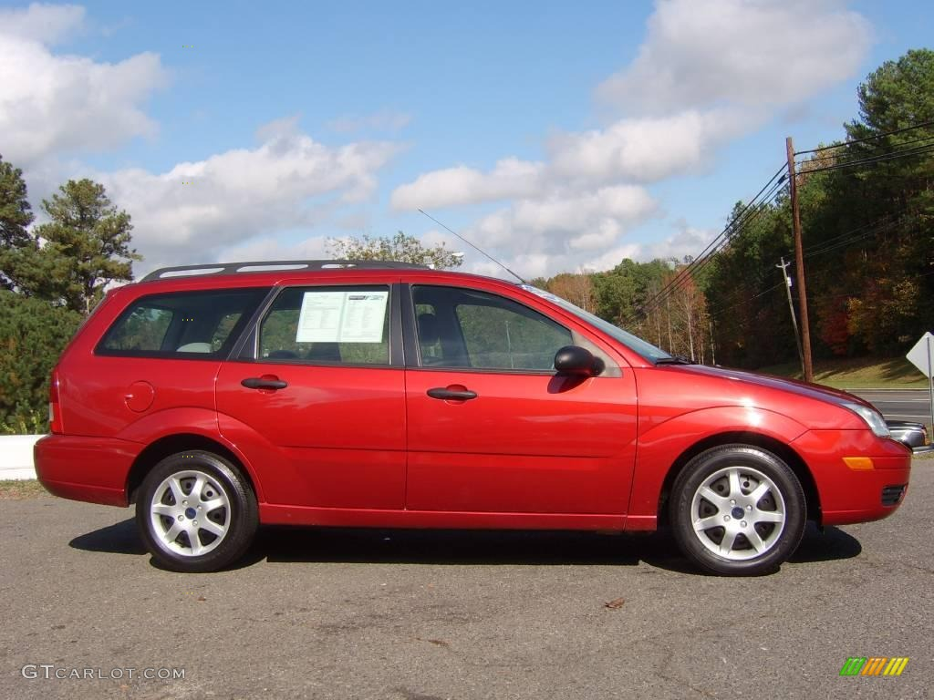 2005 sangria red metallic ford focus zxw se wagon. Black Bedroom Furniture Sets. Home Design Ideas