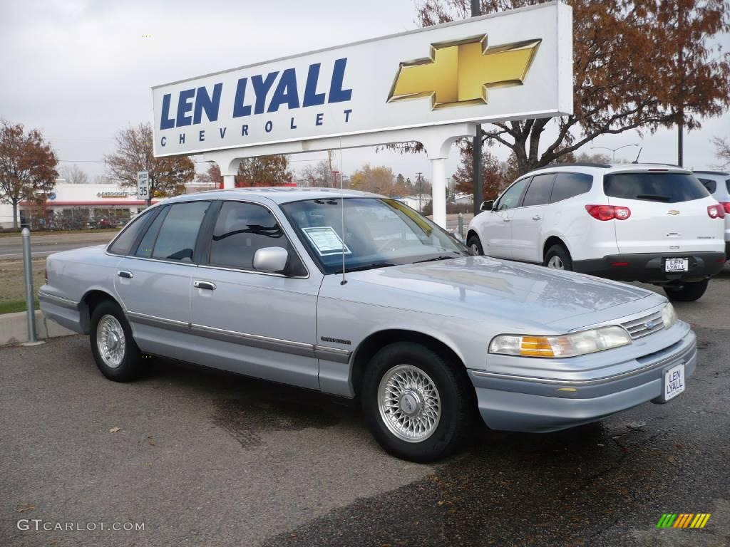 Opal frost metallic ford crown victoria