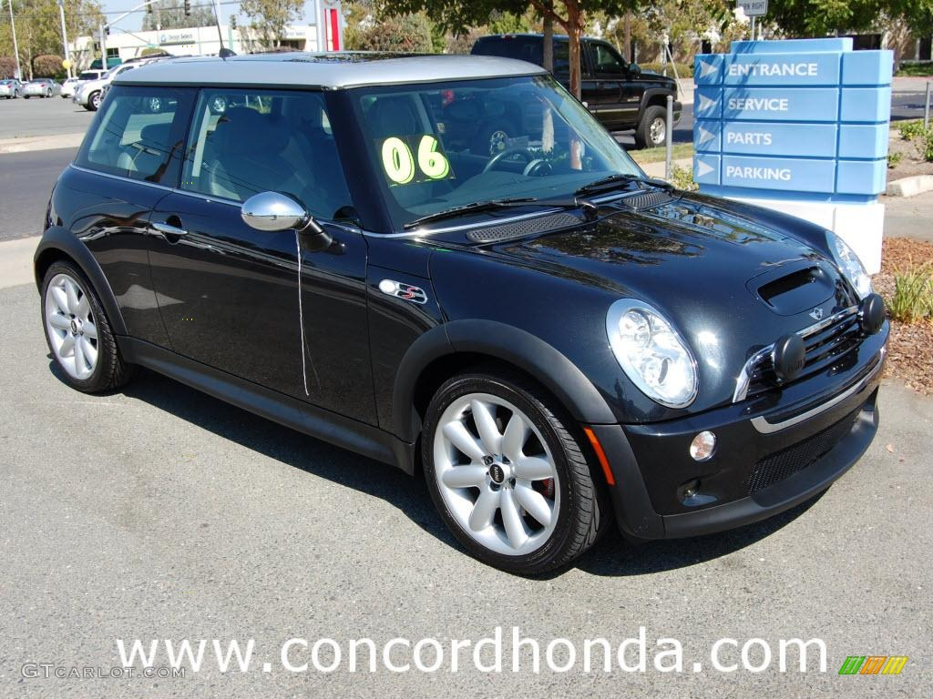 2006 Astro Black Metallic Mini Cooper S Hardtop #20987939 ...