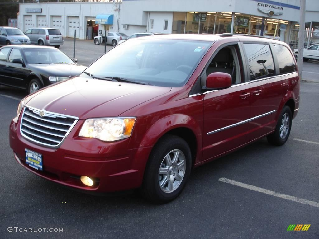 2009 deep crimson crystal pearl chrysler town country touring 21115304 car. Black Bedroom Furniture Sets. Home Design Ideas