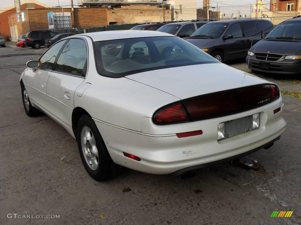 1998 oldsmobile 88 white