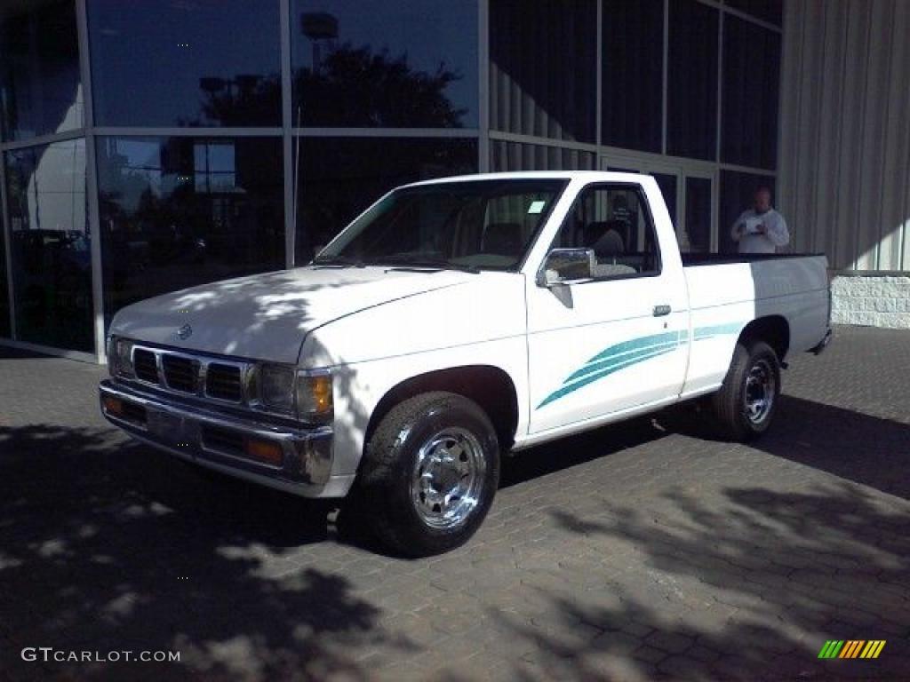 1995 hardbody truck xe regular cab cloud white gray photo 17