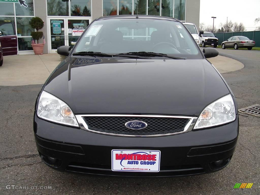 2005 Focus ZX3 SES Coupe - Pitch Black / Dark Flint/Light Flint photo #8