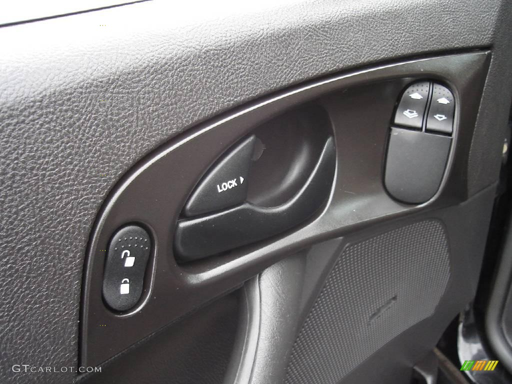 2005 Focus ZX3 SES Coupe - Pitch Black / Dark Flint/Light Flint photo #21