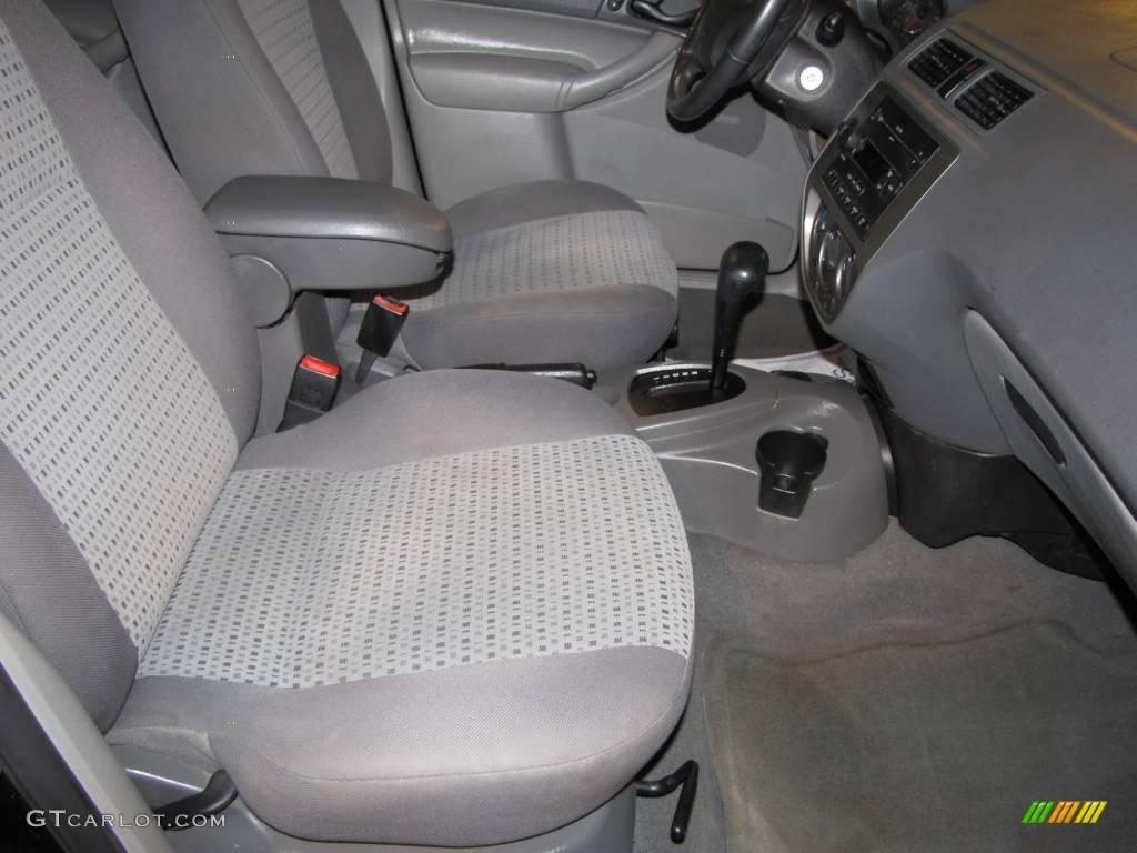 2005 Focus ZX4 SES Sedan - Pitch Black / Dark Flint/Light Flint photo #14
