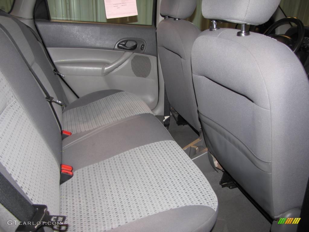 2005 Focus ZX4 SES Sedan - Pitch Black / Dark Flint/Light Flint photo #15