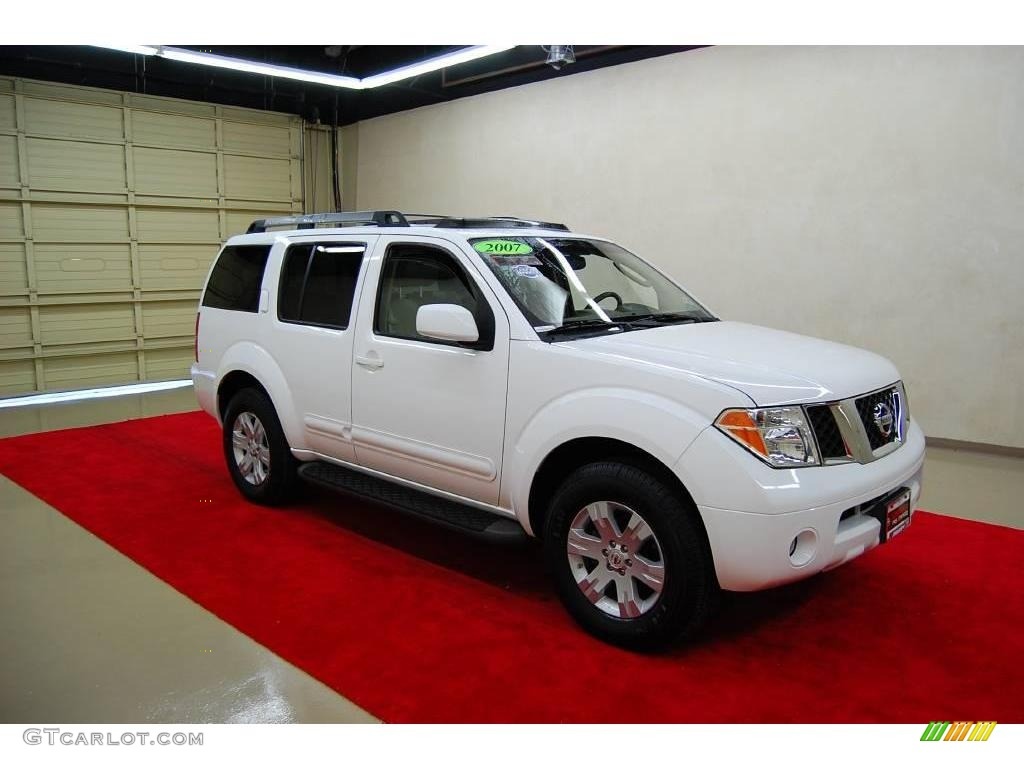 2007 avalanche white nissan pathfinder le 21507000. Black Bedroom Furniture Sets. Home Design Ideas