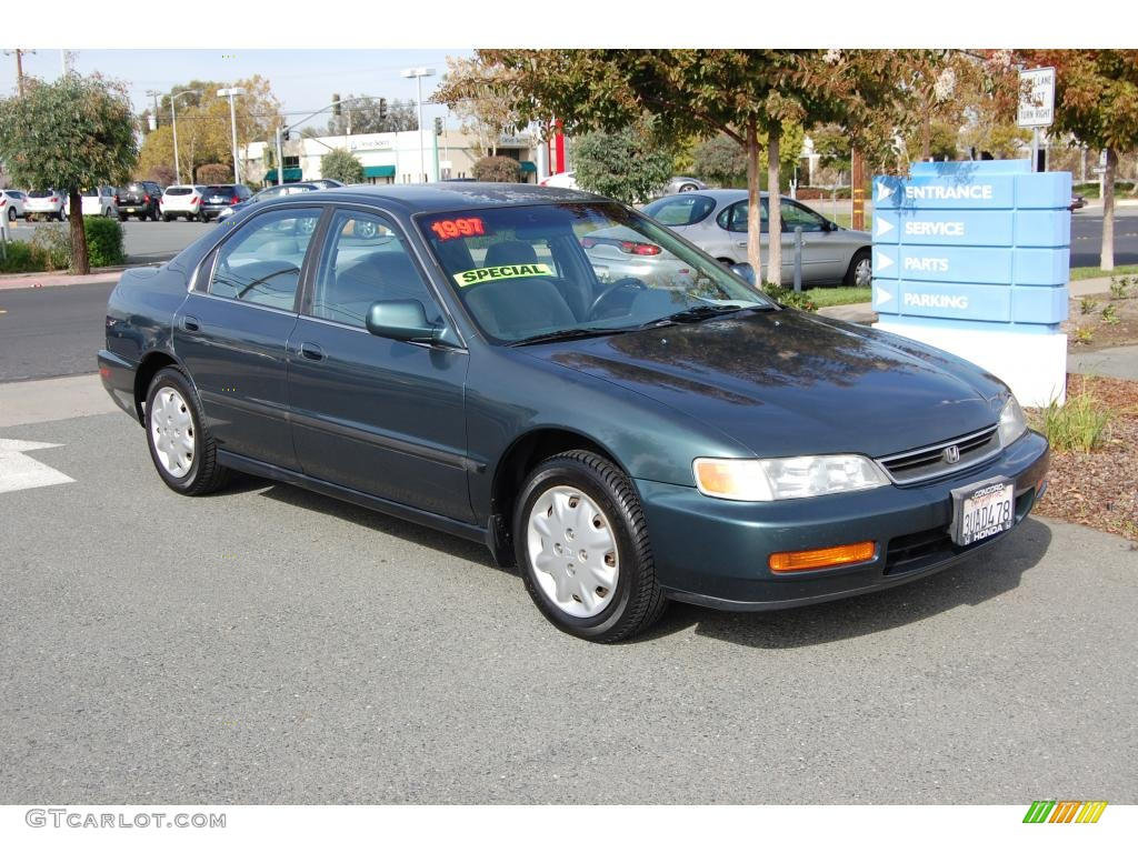1997 Accord LX Sedan   Eucalyptus Green Pearl / Gray Photo #1