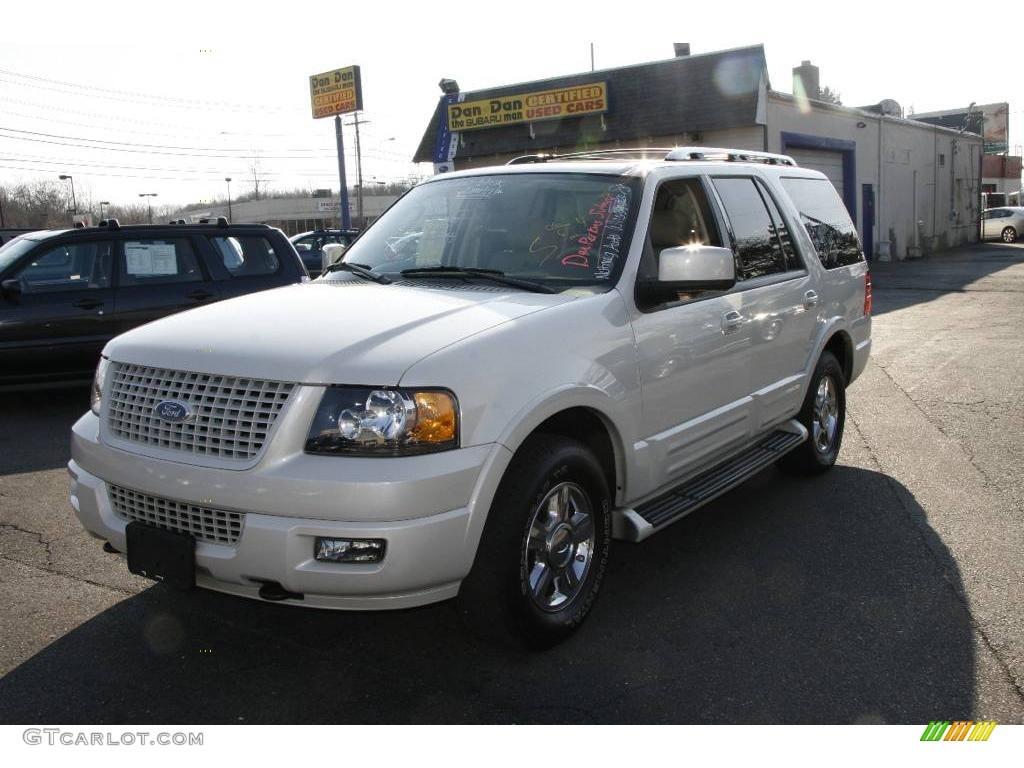 Cashmere Tri Coat Metallic Ford Expedition