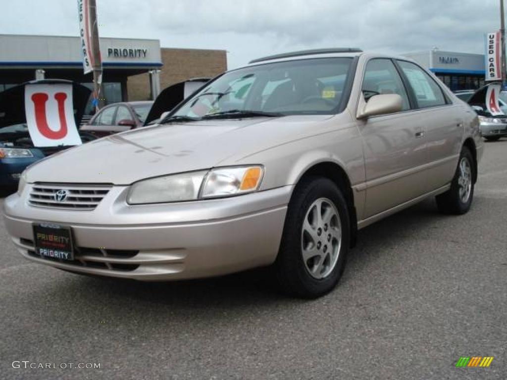 1998 cashmere beige metallic toyota camry le v6 21619852 car color galleries. Black Bedroom Furniture Sets. Home Design Ideas