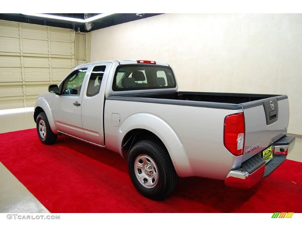 2008 radiant silver nissan frontier xe king cab 21624530. Black Bedroom Furniture Sets. Home Design Ideas