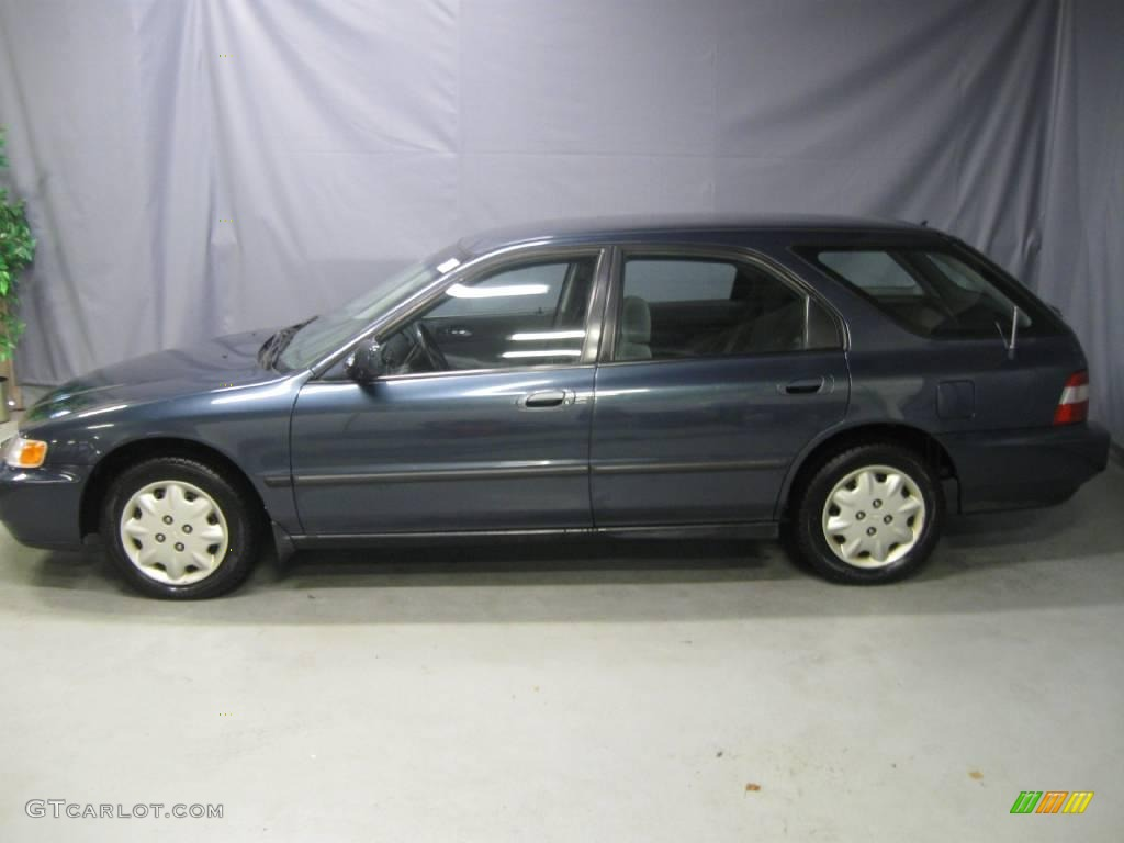 1997 Accord LX Wagon   Mystic Blue Pearl / Gray Photo #2