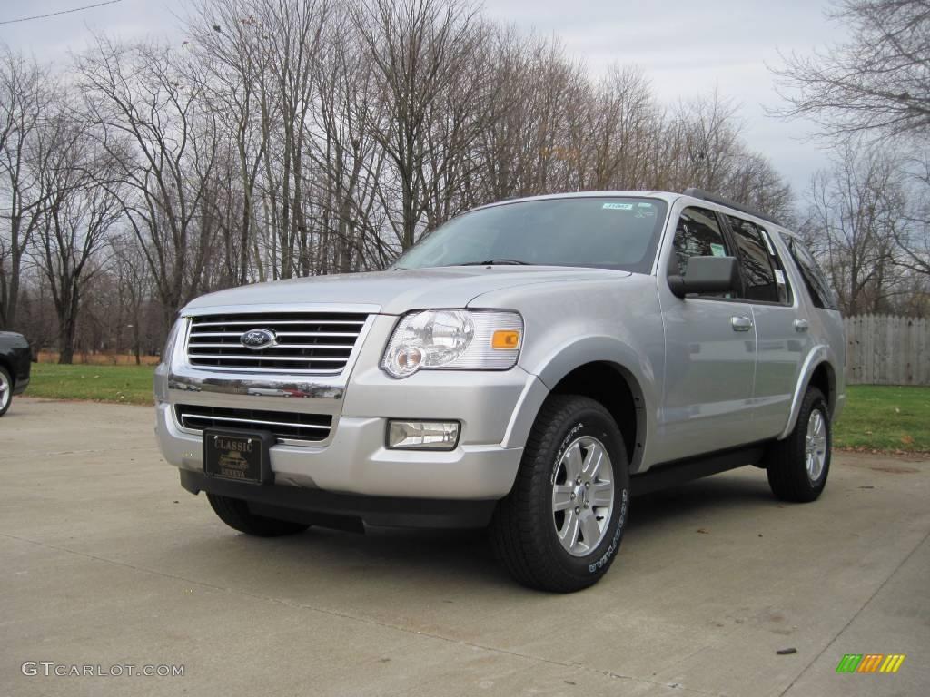 Brilliant silver metallic ford explorer