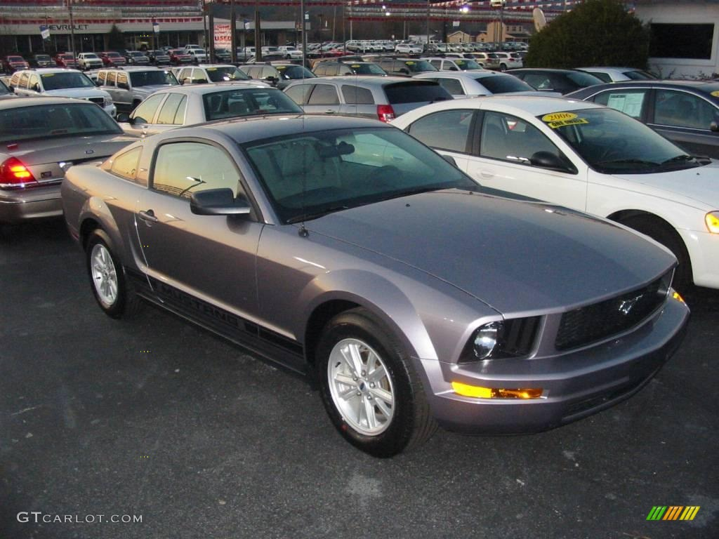 2007 Mustang V6 Deluxe Coupe - Tungsten Grey Metallic / Light Graphite photo #1