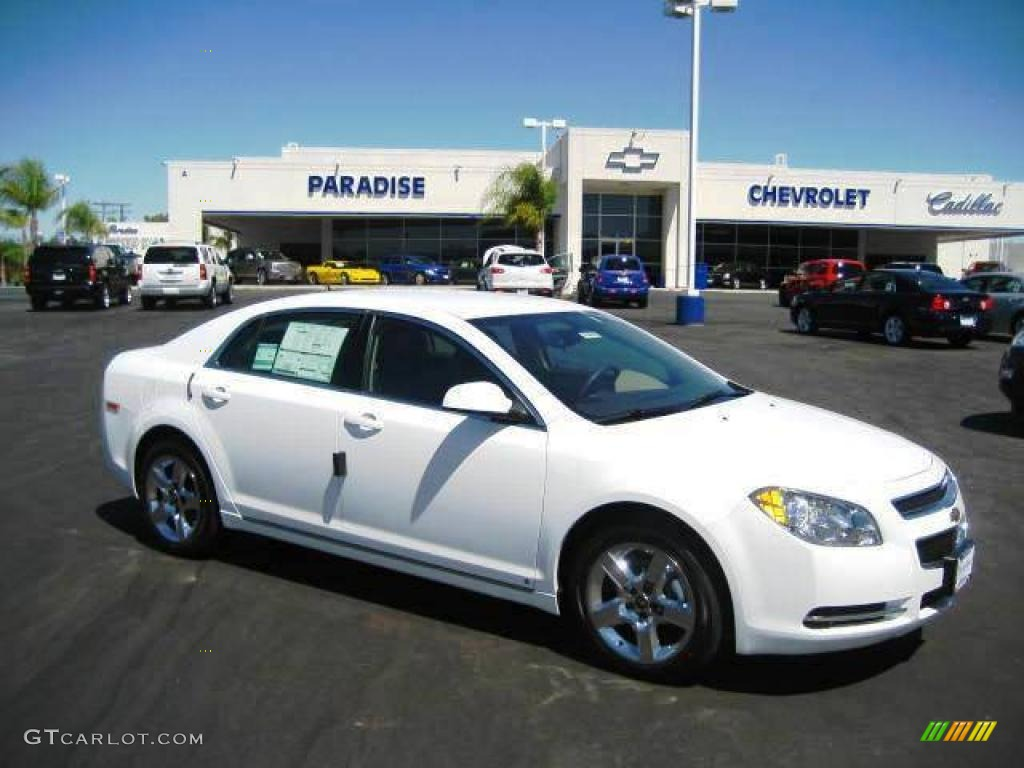 Summit White Chevrolet Malibu