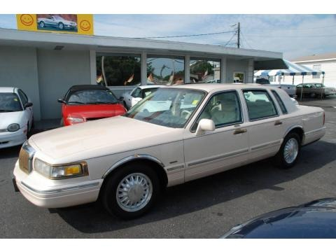 1995 Lincoln Town Car Cartier Data Info And Specs