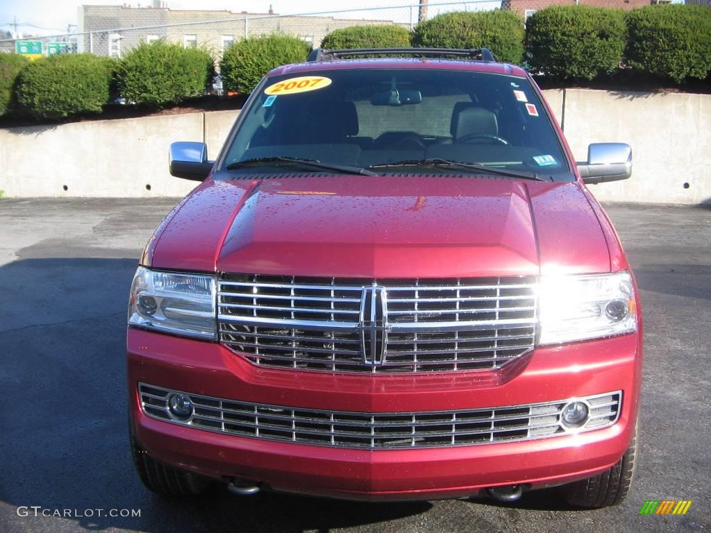 2007 Navigator Luxury 4x4 - Vivid Red Metallic / Charcoal photo #1