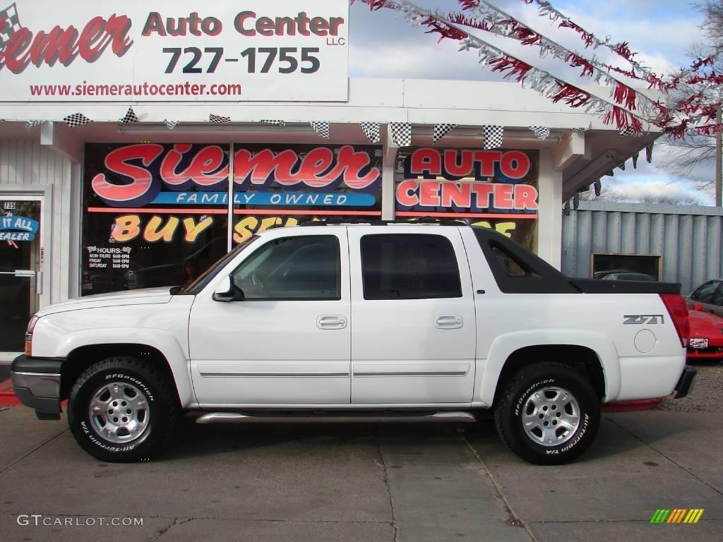 2005 Summit White Chevrolet Avalanche Z71 4x4 22274830