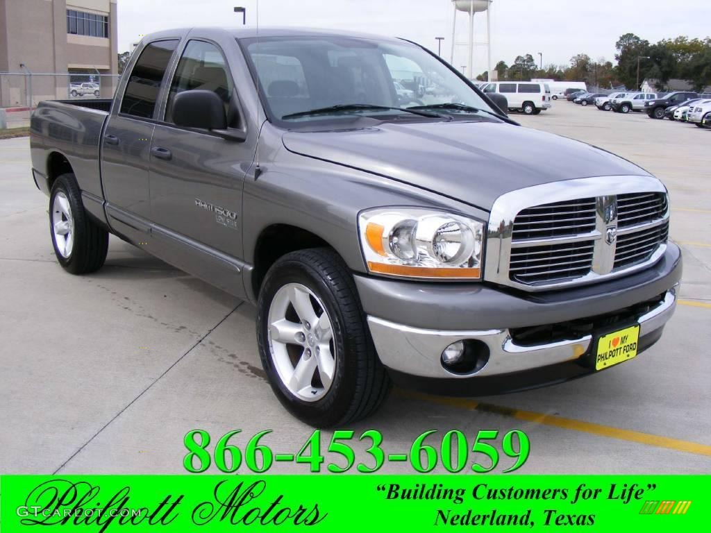 Mineral Gray Metallic Dodge Ram 1500