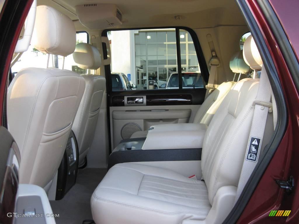 2003 Autumn Red Metallic Lincoln Navigator Luxury