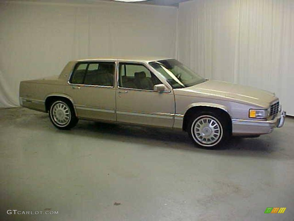 1993 Light Driftwood Metallic Cadillac DeVille Sedan #22426933 ...