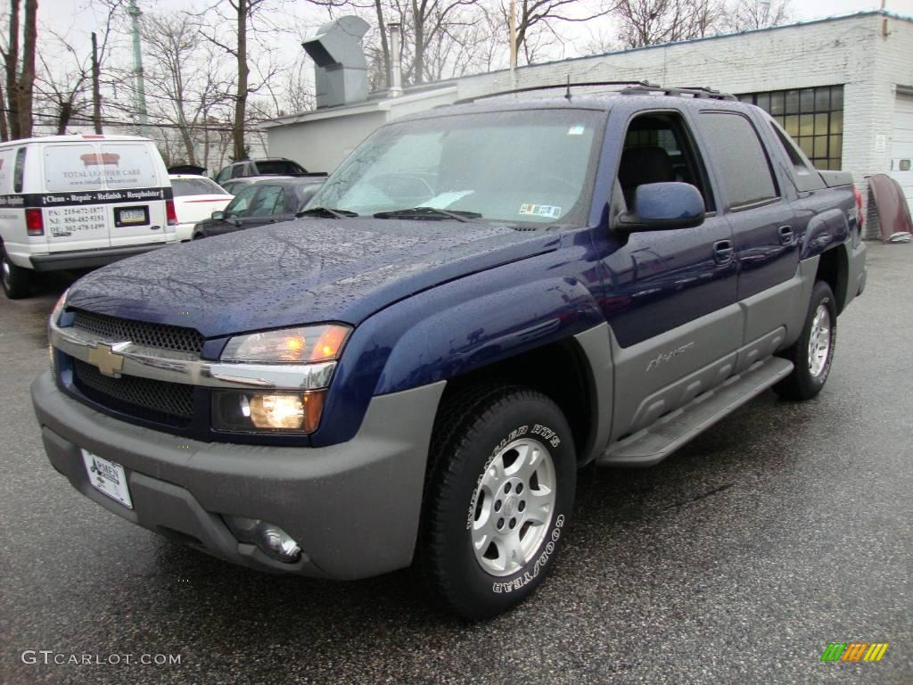 2002 indigo blue metallic chevrolet avalanche z71 4x4 22586458 car color galleries. Black Bedroom Furniture Sets. Home Design Ideas
