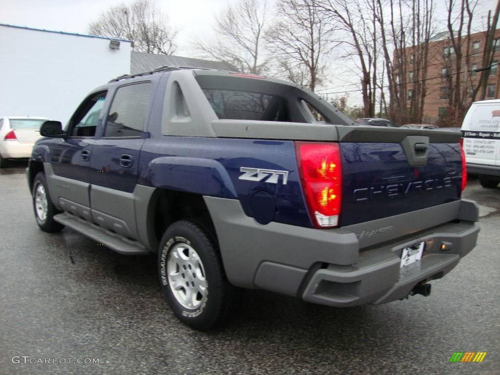 2002 indigo blue metallic chevrolet avalanche z71 4x4. Black Bedroom Furniture Sets. Home Design Ideas
