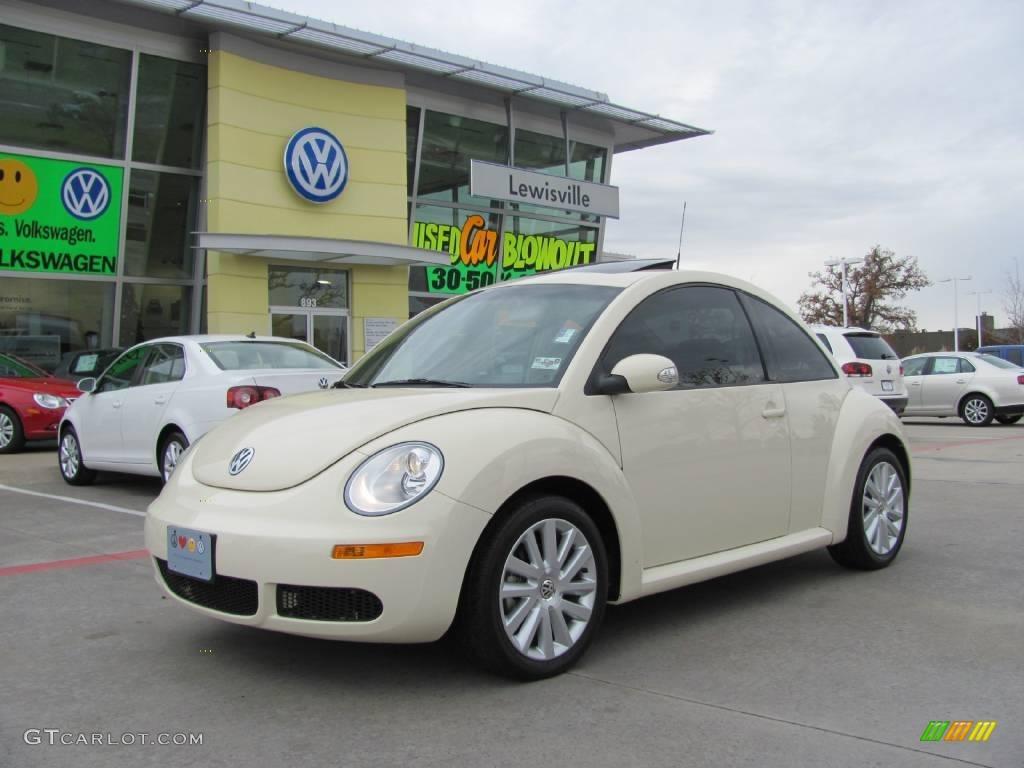 Harvest Moon Beige Volkswagen New Beetle