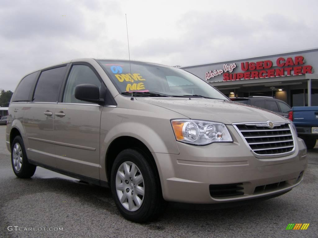 2009 light sandstone metallic chrysler town country lx 22553161 car color. Black Bedroom Furniture Sets. Home Design Ideas