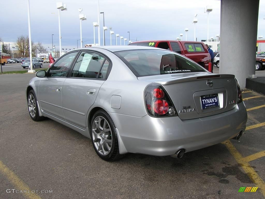 2006 Altima 3.5 SE R   Sheer Silver Metallic / Charcoal/Red Photo #