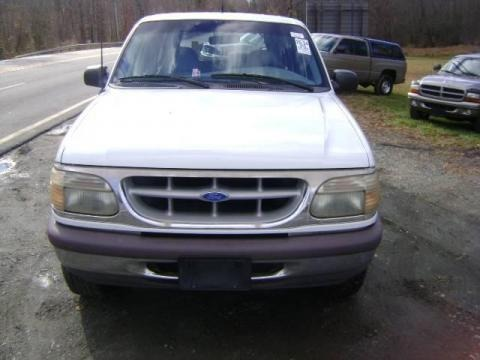1995 Ford Explorer XL 4x4 Data, Info and Specs