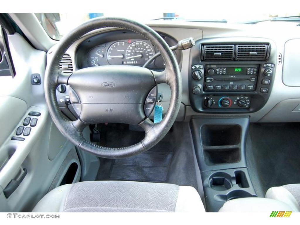 2000 tropic green metallic ford explorer xlt 4x4 22871807 photo 12 car color 2000 ford explorer interior parts