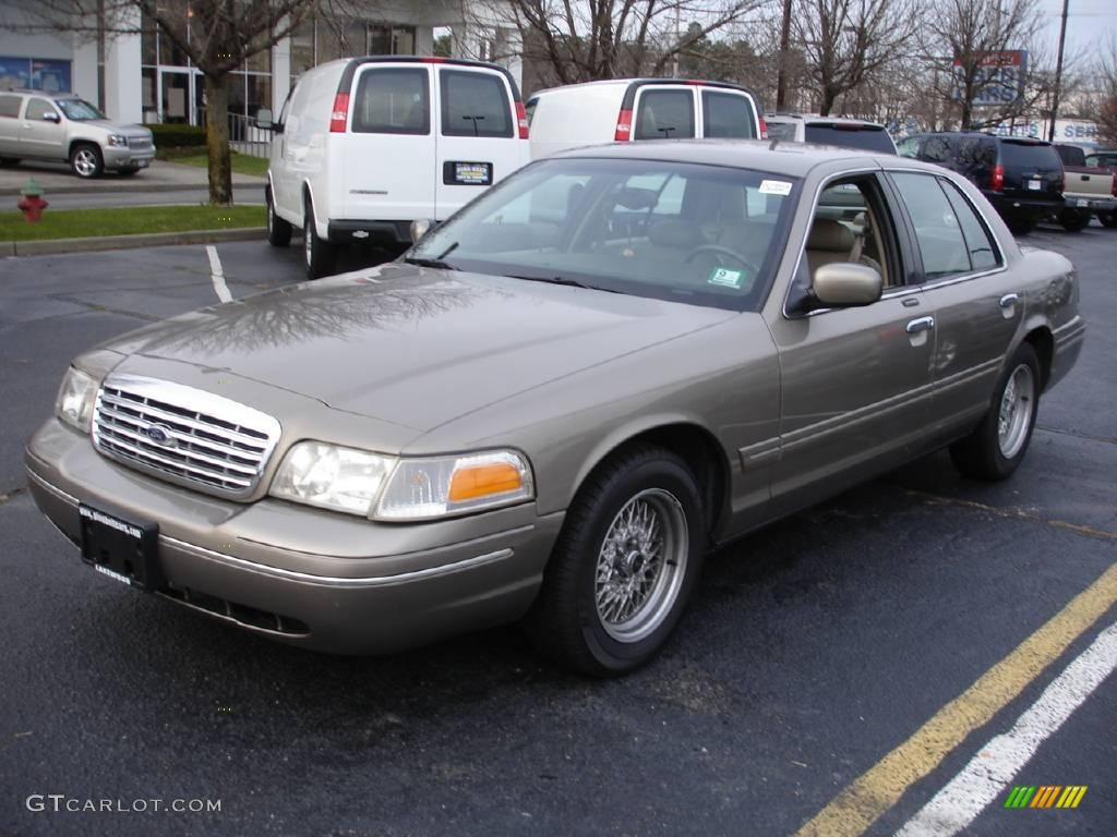 2001 crown victoria lx arizona beige metallic medium parchment photo 1