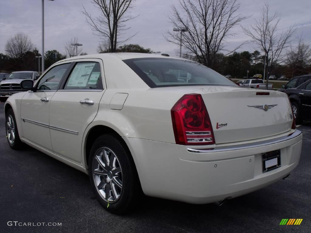 2010 cool vanilla white chrysler 300 c hemi 23177477 photo 2 car color galleries. Black Bedroom Furniture Sets. Home Design Ideas