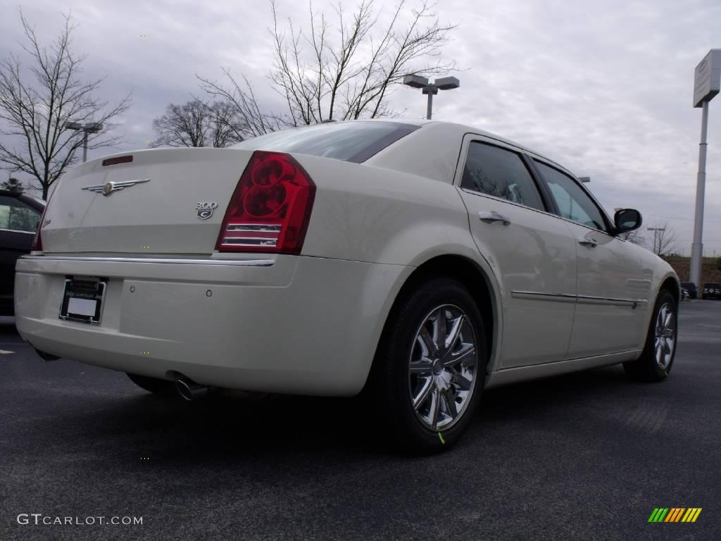 2010 cool vanilla white chrysler 300 c hemi 23177477 photo 3 car color galleries. Black Bedroom Furniture Sets. Home Design Ideas