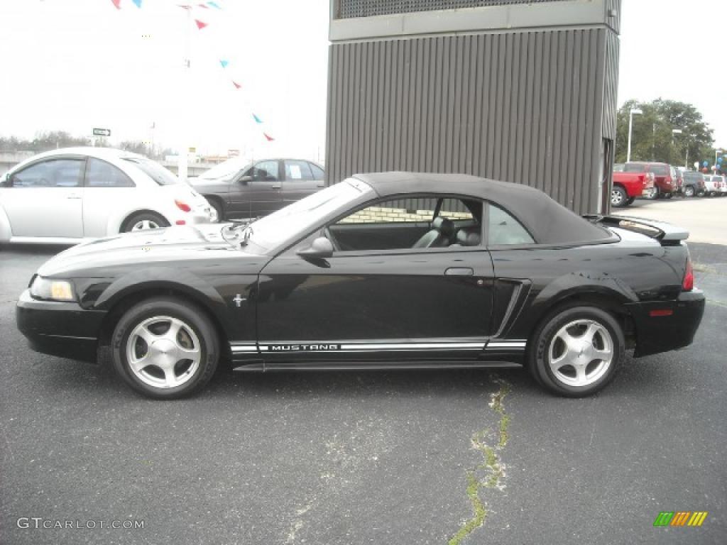 2001 Mustang V6 Convertible - Black / Dark Charcoal photo #1