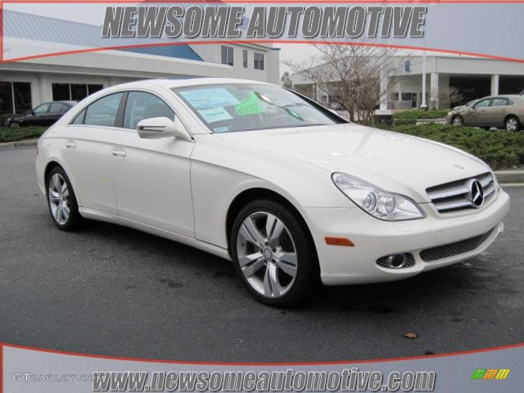 2009 diamond white metallic mercedes benz cls 550. Black Bedroom Furniture Sets. Home Design Ideas