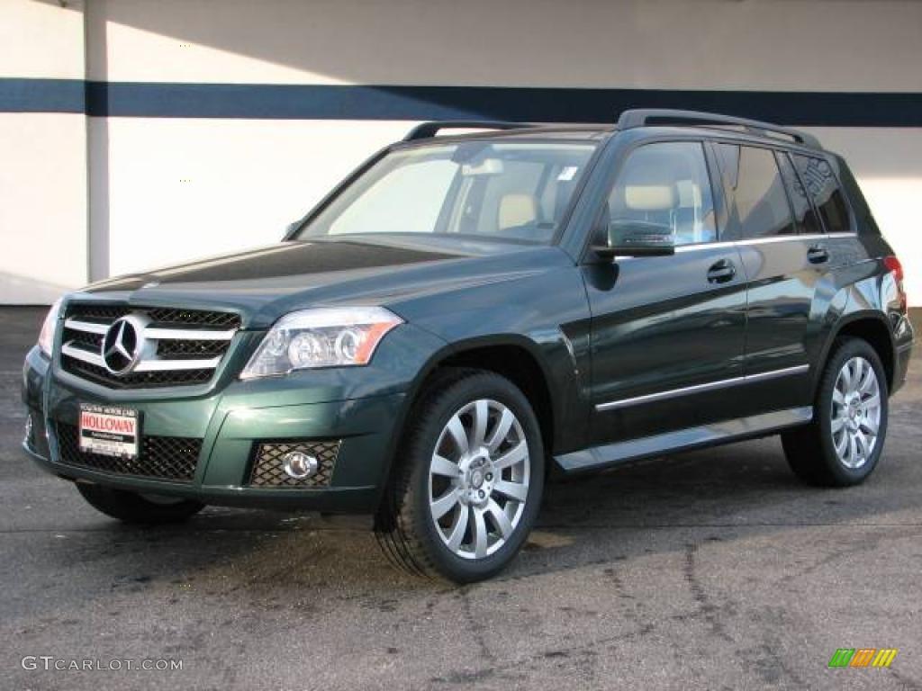 2010 jade green metallic mercedes benz glk 350 4matic for Mercedes benz green