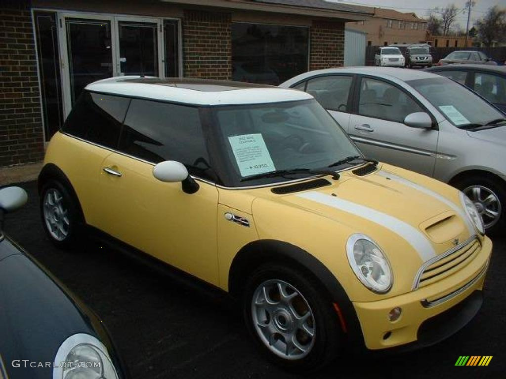 2002 liquid yellow mini cooper s hardtop 23729394 photo. Black Bedroom Furniture Sets. Home Design Ideas