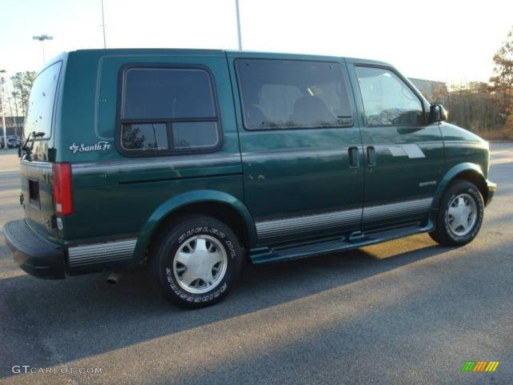 1998 Safari SLE Passenger Van
