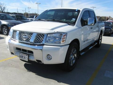 2007 Nissan Titan LE Crew Cab Data, Info and Specs