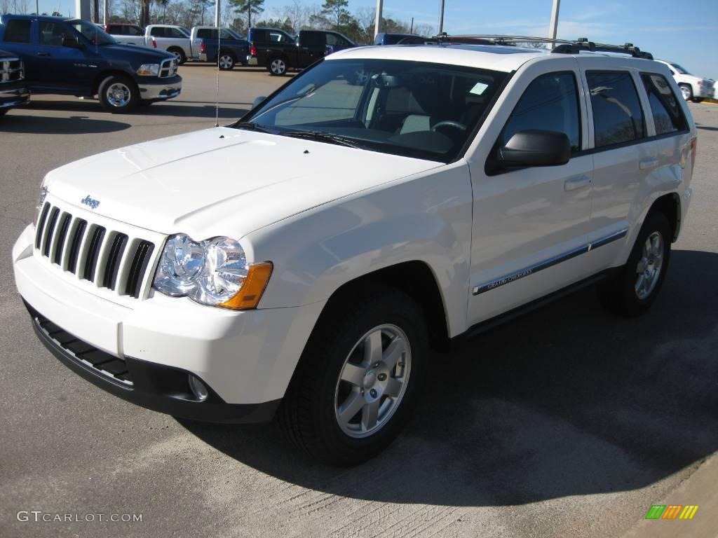 2010 stone white jeep grand cherokee laredo #24197967 | gtcarlot