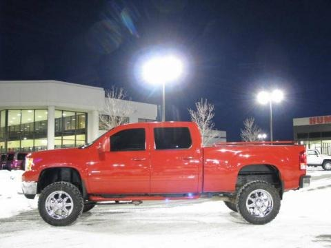 2007 GMC Sierra 2500HD SLT Crew Cab 4x4 Data, Info and Specs