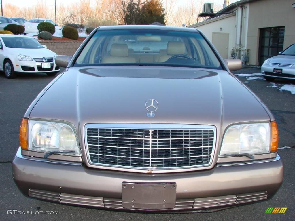 1993 brown metallic mercedes benz s class 400 sel for Mercedes benz s class colours
