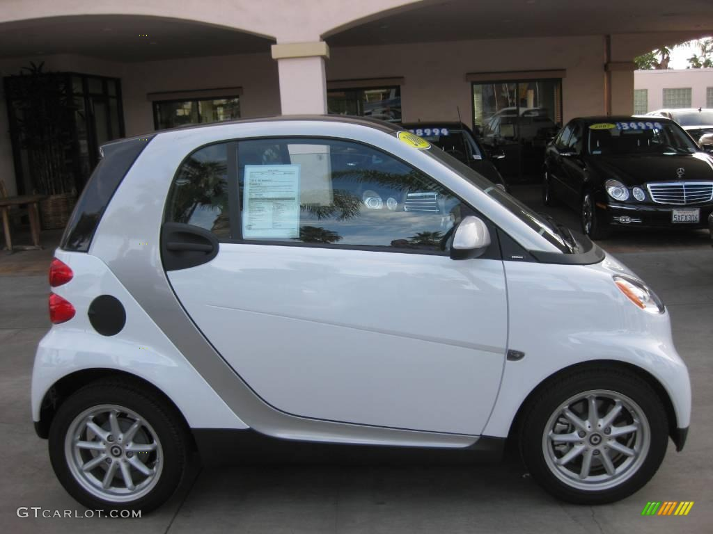 2009 crystal white smart fortwo passion coupe 24387640 photo 2 car color. Black Bedroom Furniture Sets. Home Design Ideas