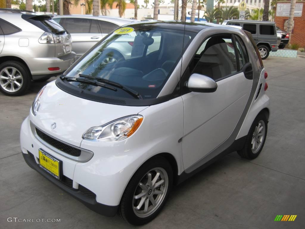 2009 crystal white smart fortwo passion coupe 24387640 photo 7 car color. Black Bedroom Furniture Sets. Home Design Ideas