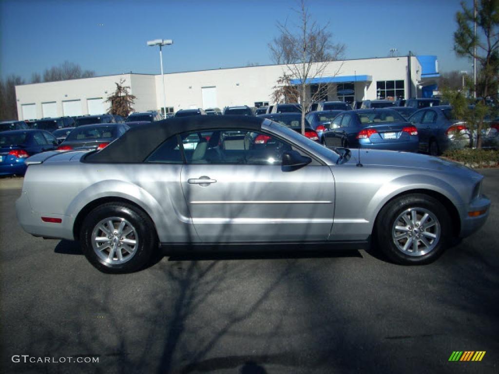 2007 Mustang V6 Deluxe Convertible - Satin Silver Metallic / Light Graphite photo #1