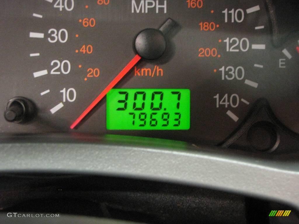 2005 Focus ZX4 SES Sedan - Pitch Black / Dark Flint/Light Flint photo #19