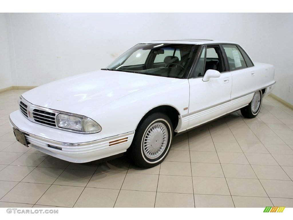 1995 bright white oldsmobile ninety eight elite 24493765 photo 3 car color. Black Bedroom Furniture Sets. Home Design Ideas